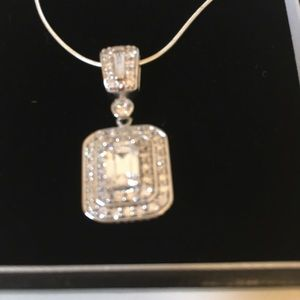 Jewelry - Crystal pendant and chain